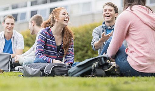 giovane-universitario-tempo-libero