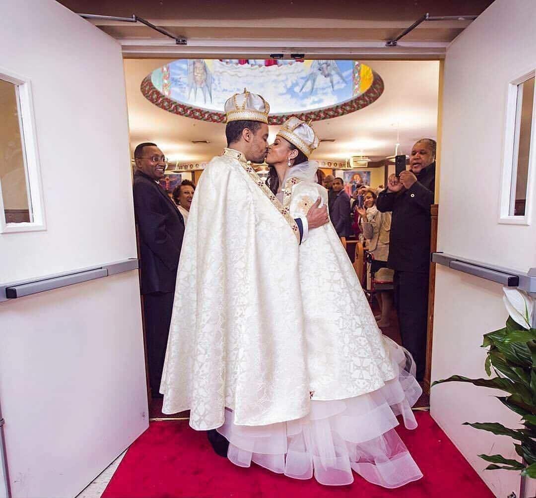 Ariana Austin e Joel Makonnen trova il principe in discoteca