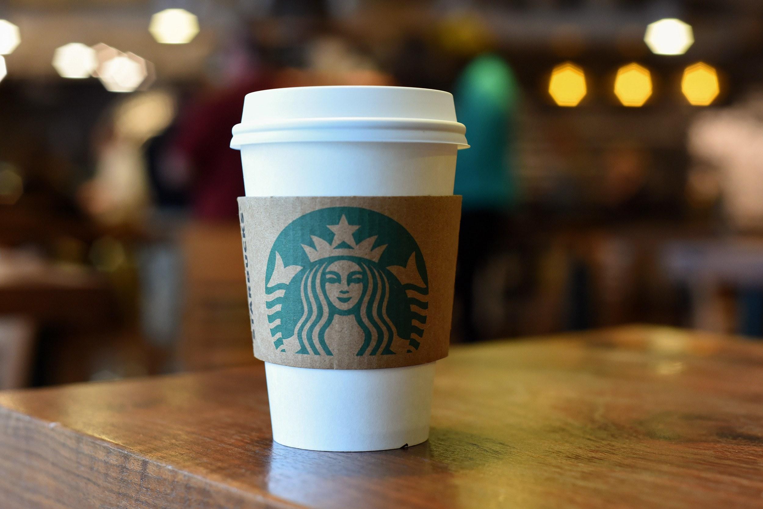 Starbucks apre a Milano e cerca personale