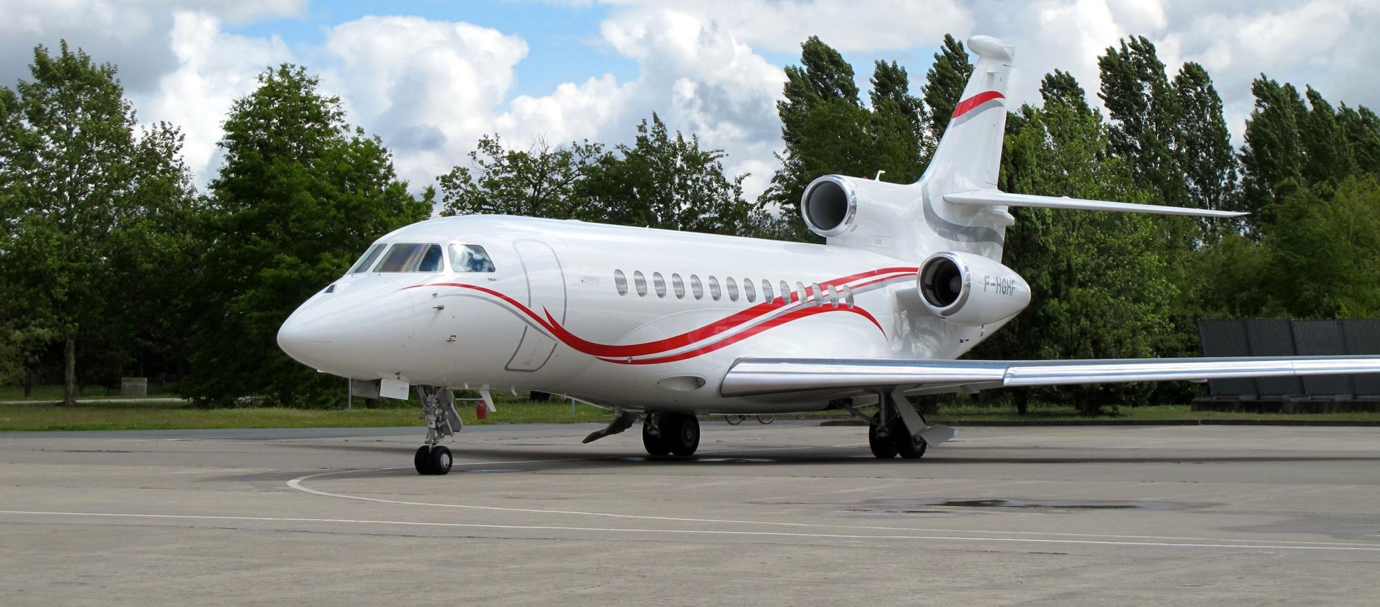 Predicatore chiede ai fedeli 54 milioni per un jet privato