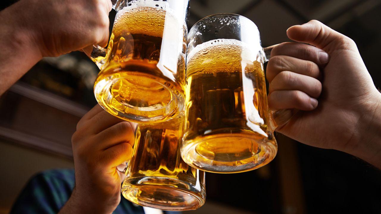 Bere birra combatte le rughe