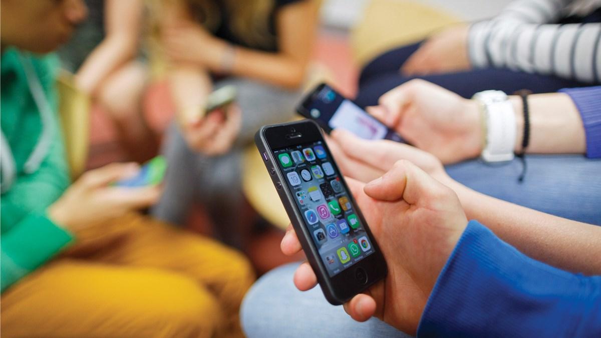 senza smartphone per un anno
