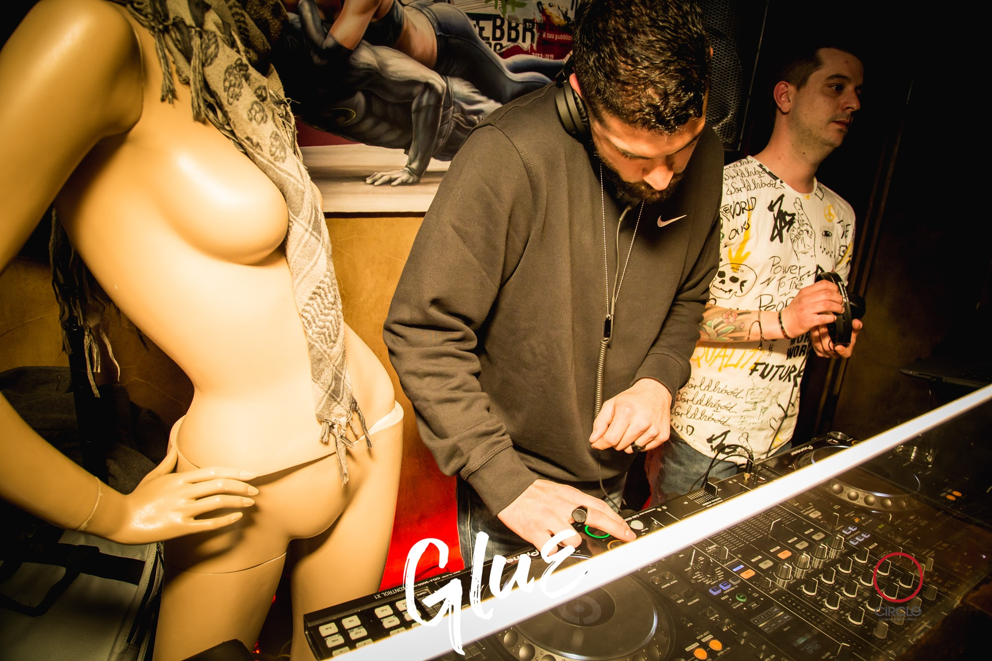 GLUE meets Hotline | YOUparti circle milano friday venerdì free gratis