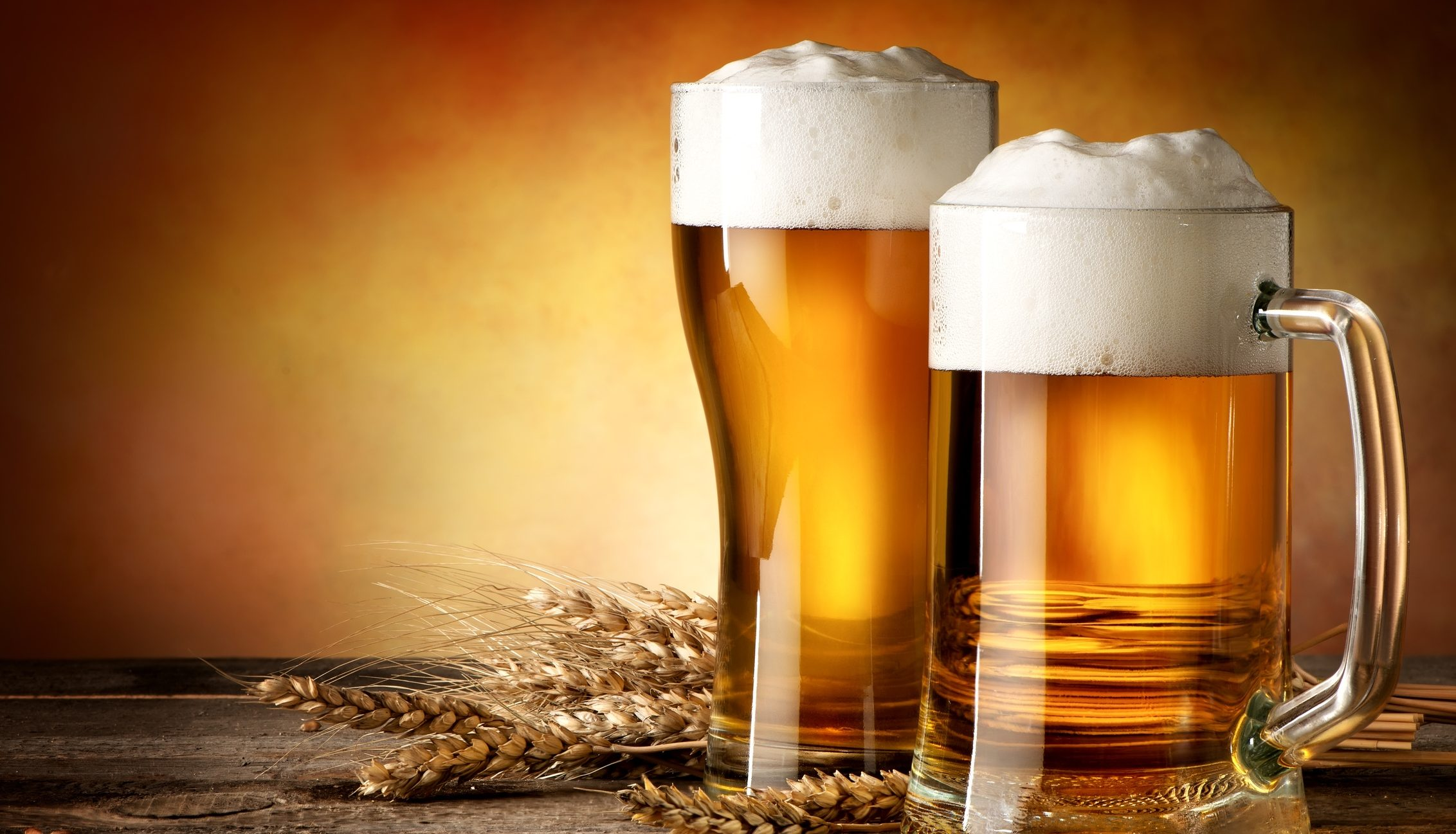 2 birre medie al giorno combattono l'infelicità