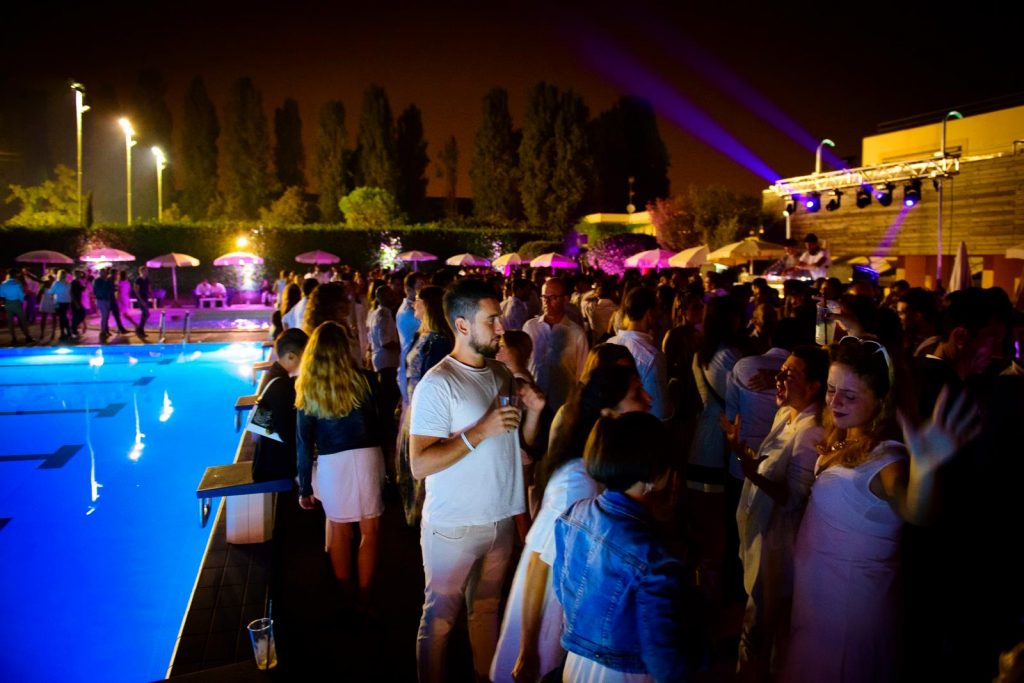 MAGIC WHITE Pool Aperitif by Redbull at Harbour Club YOUparti