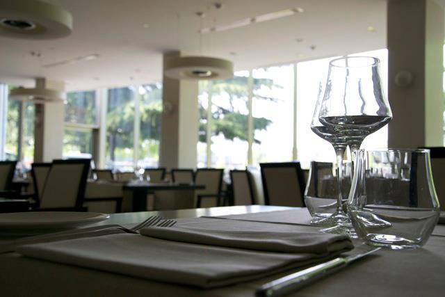 The Hub Hotel - Mirror - YouParti Private Event
