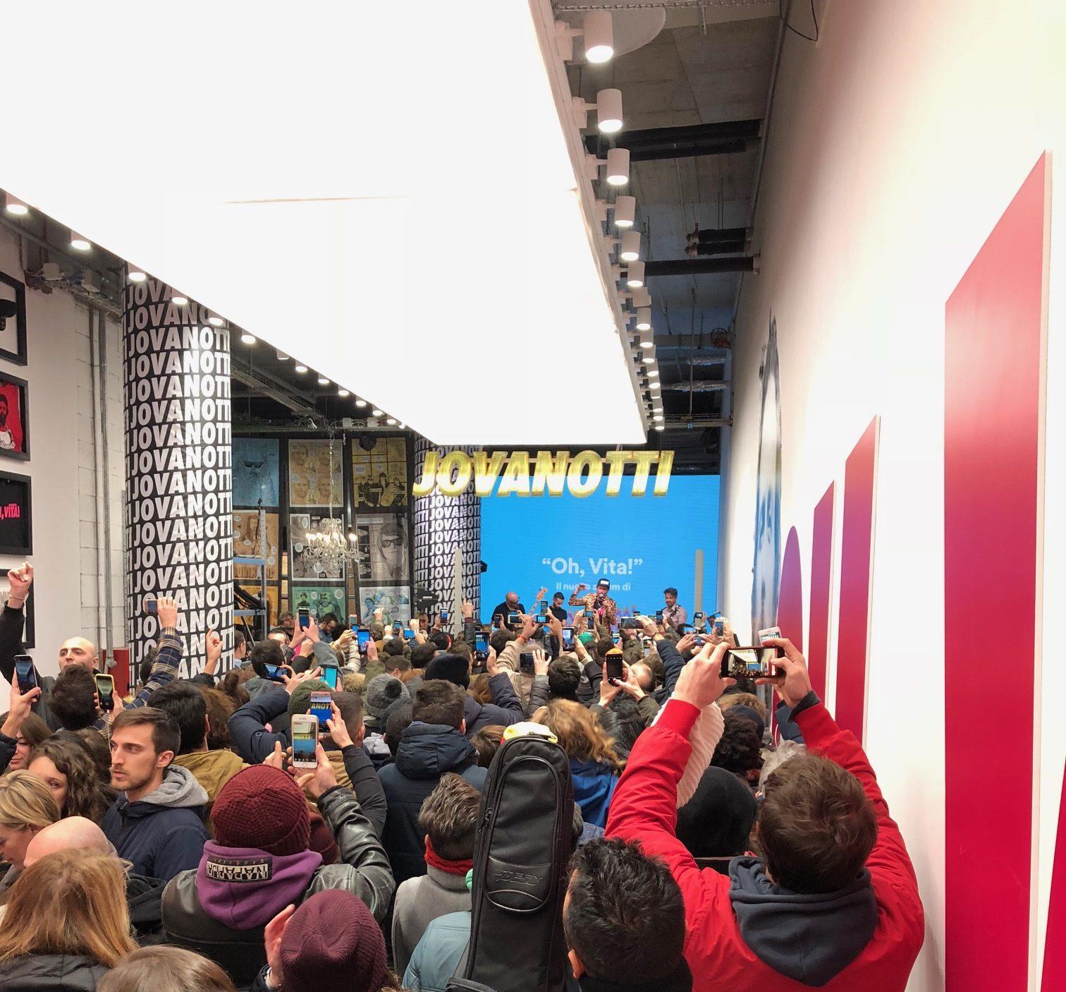 Jova Pop Shop inaugura a Milano