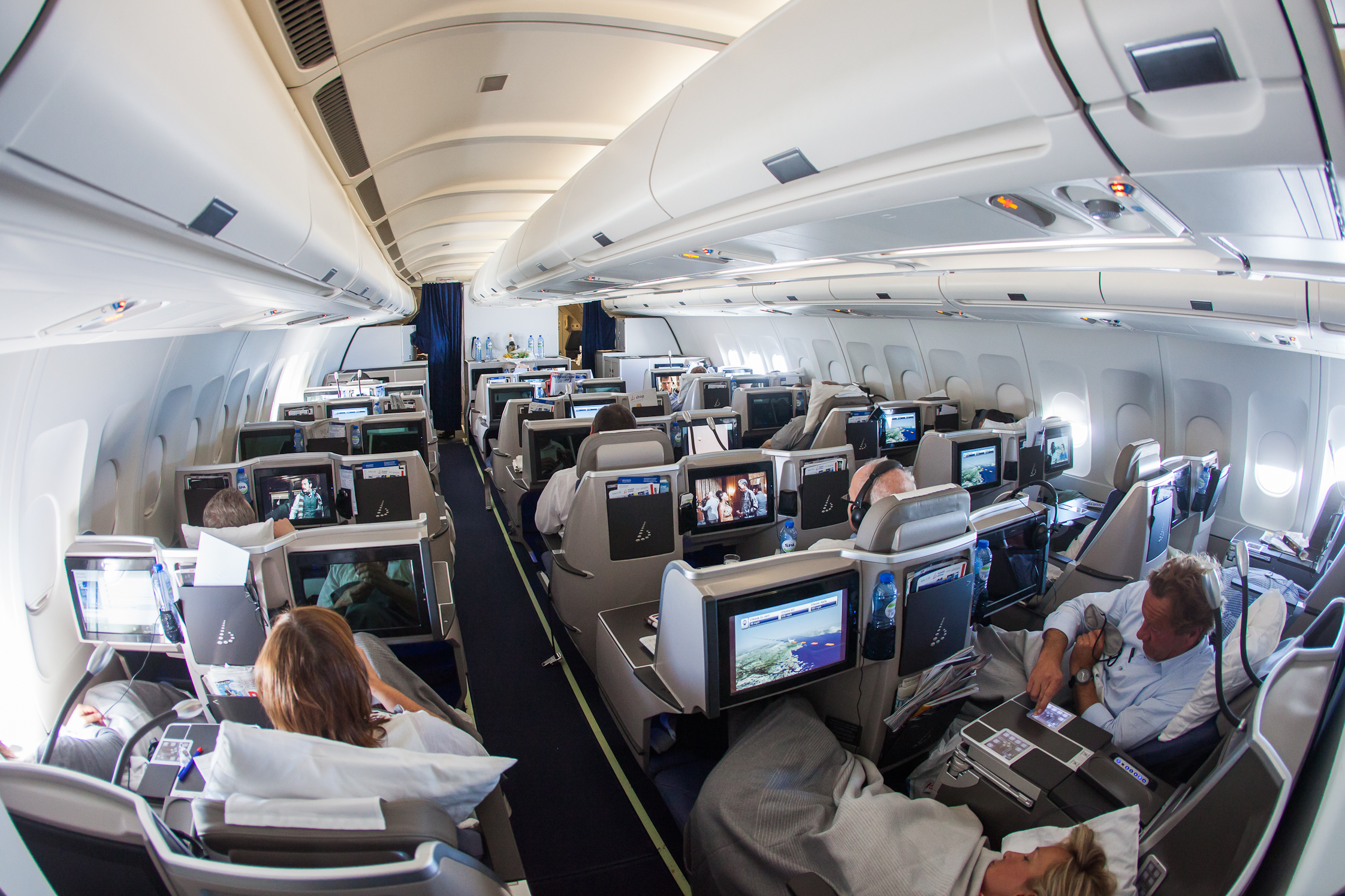 Come evitare germi e batteri in aereo