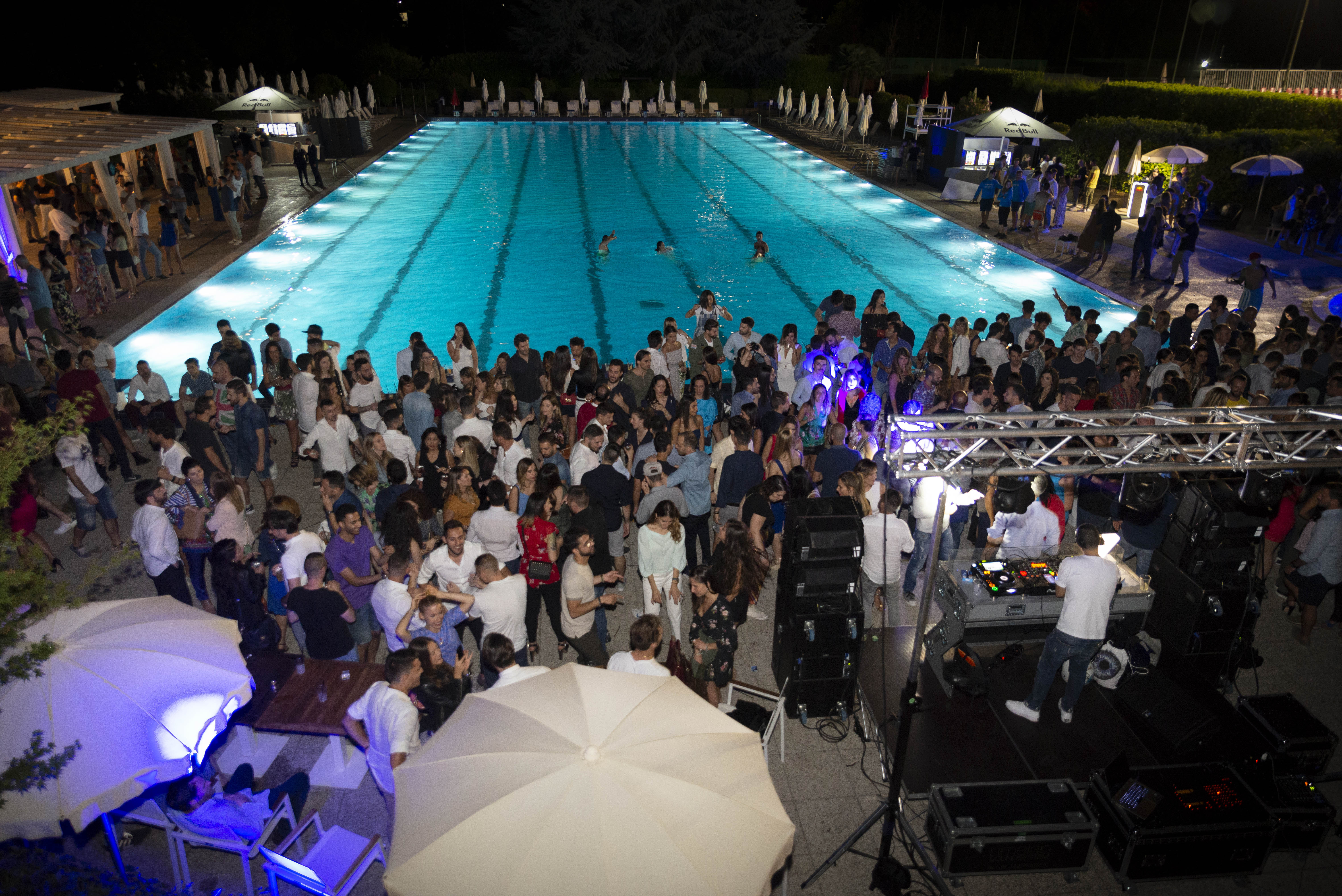 SUMMERTIME POOL PARTY at Harbour Club   YOUparti