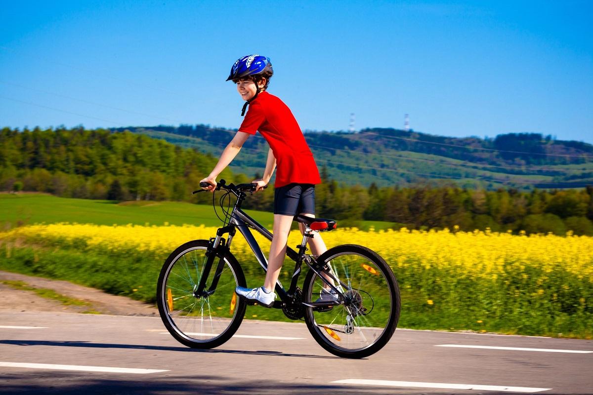 salta l'esame di terza media e fa 270 km in bici per amore