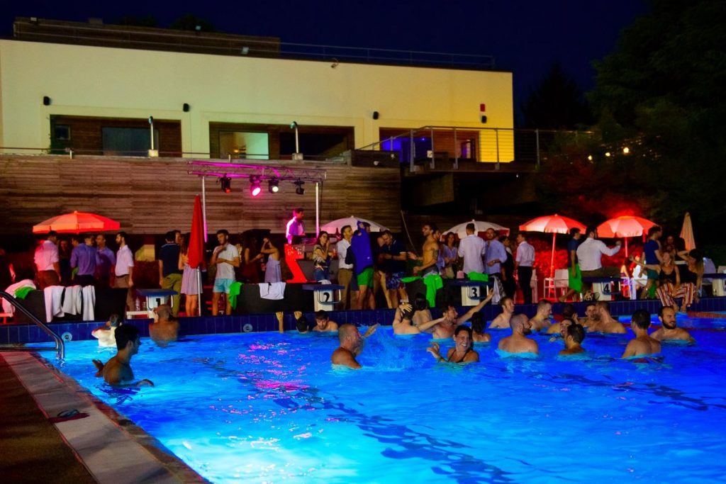 Abbronzatissimi - Aperitivo in Piscina | Harbour Club | YOUparti