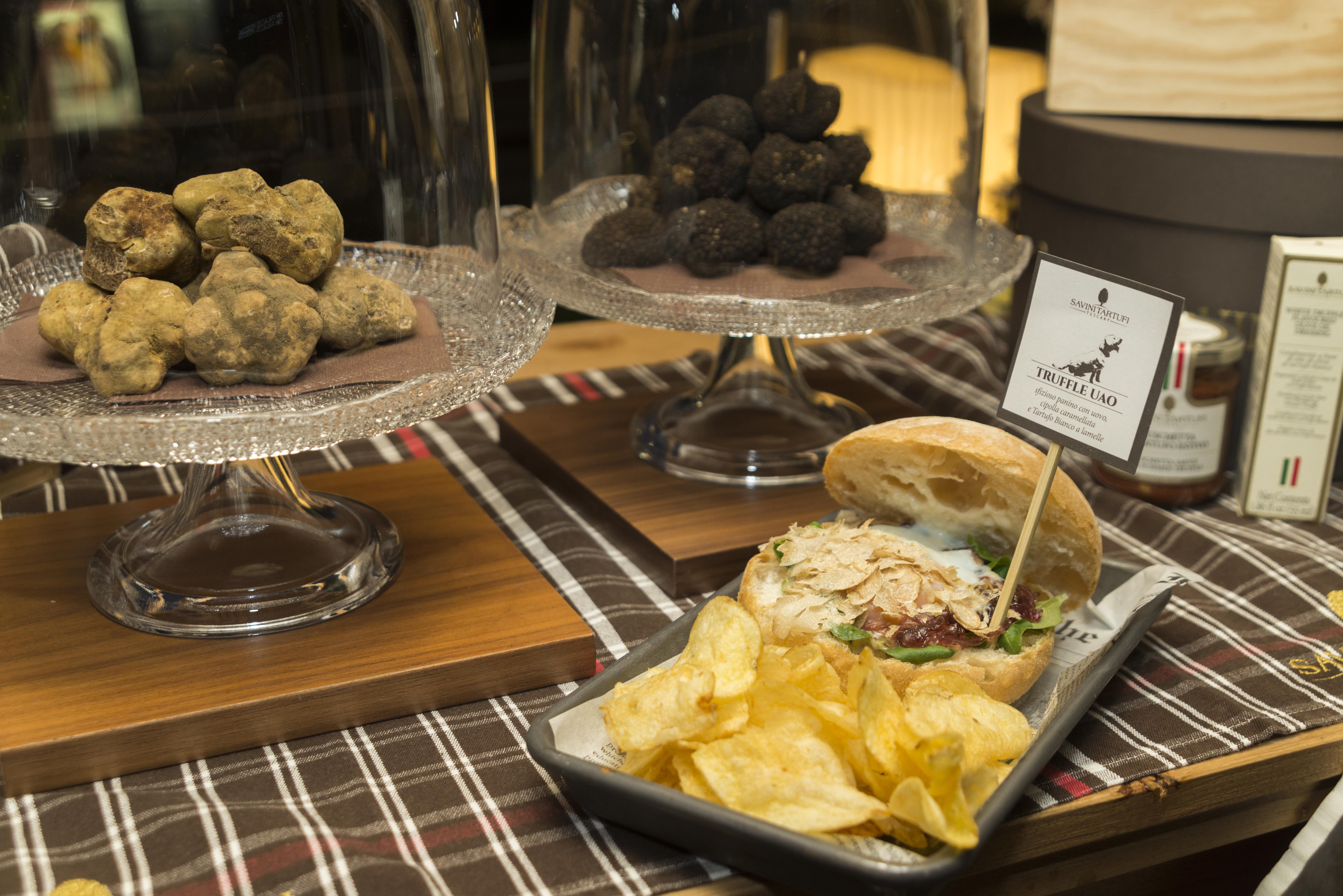 Festa del Tartufo   YOUparti nh palazzo moscova savini tartufi