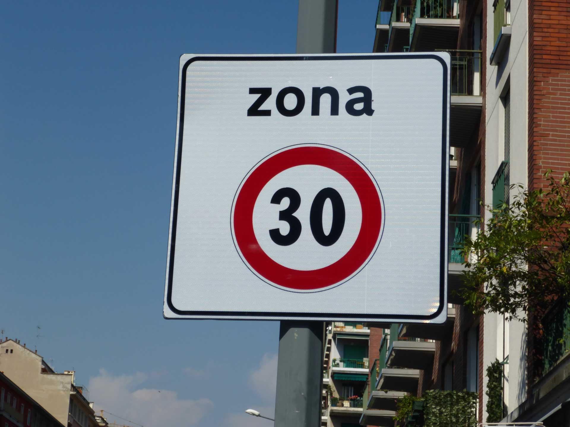 Milano: limite di velocità potrebbe scendere a 30 km/h