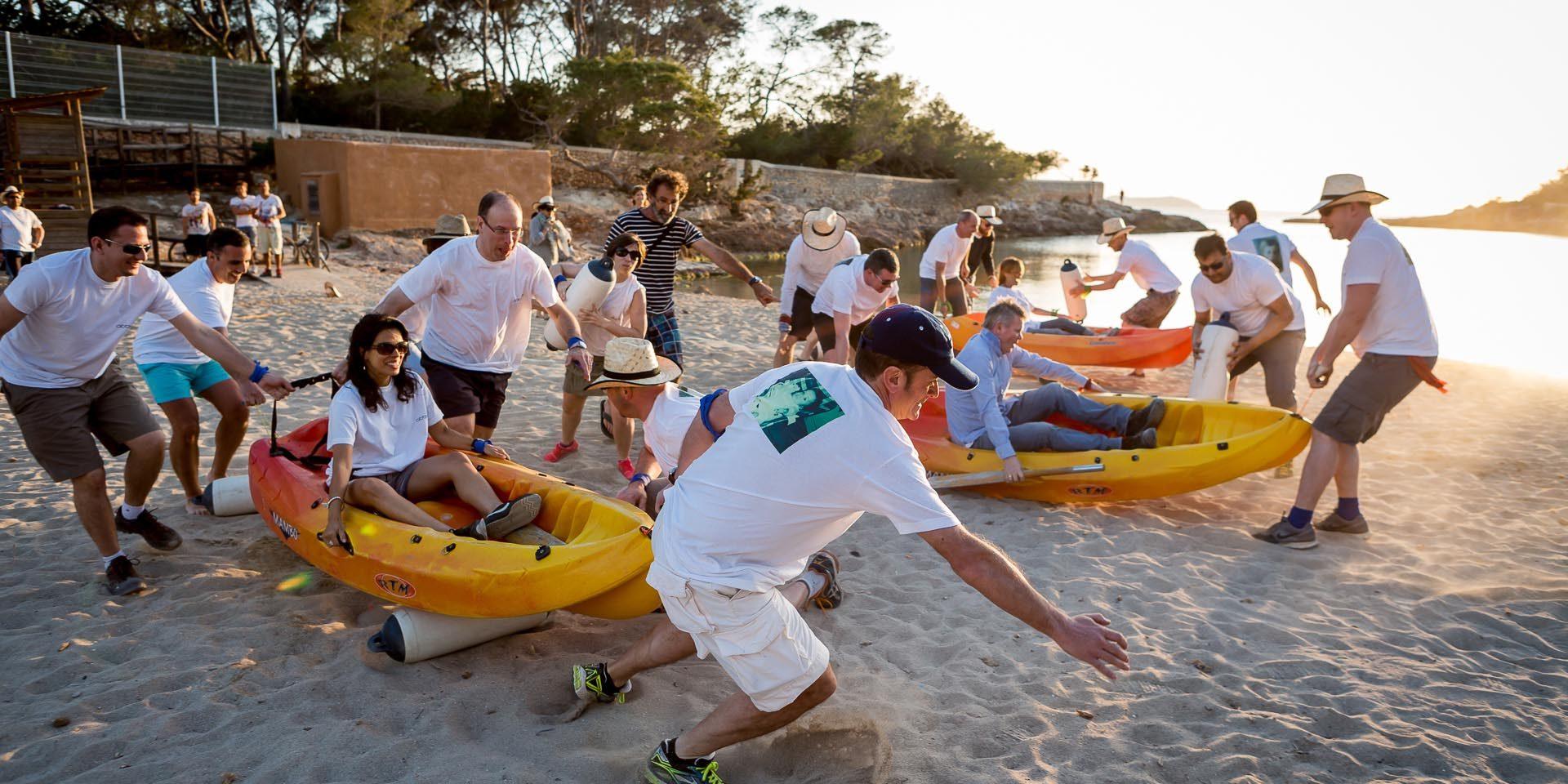 Manager manda i dipendenti in vacanza ad Ibiza