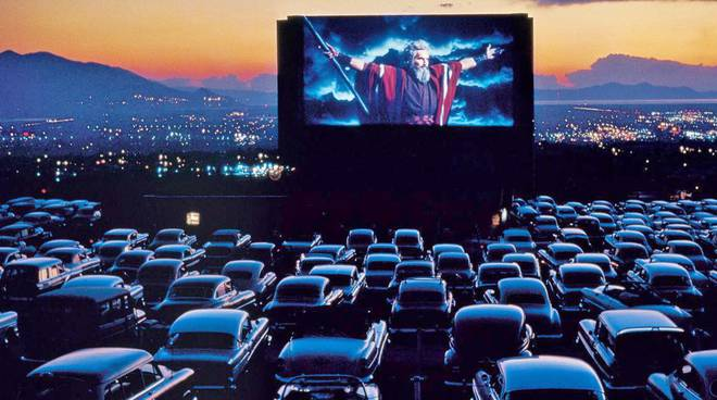 BOVISA Drive-In è il cinema in auto di Milano! Dj Set, Street Food, Cinema e Luna Park