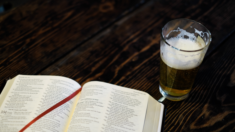 Compri un libro ottieni un drink
