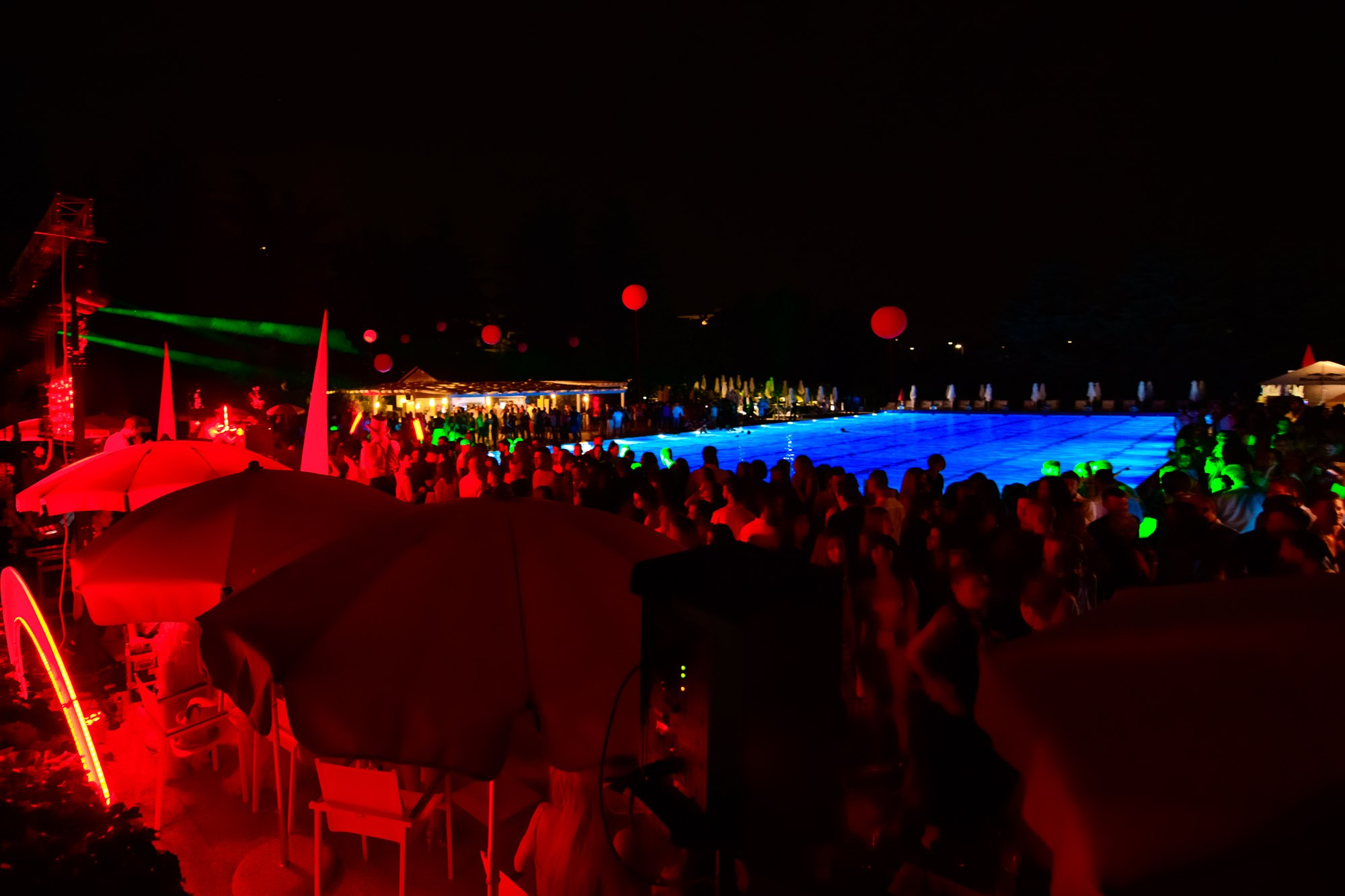 Pool Party at Harbour Club | Rouge Carrousel | YOUparti