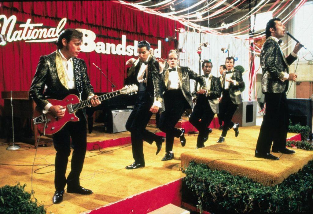 Grease non stanca mai: 10 motivi per rivedere all'infinito il musical più famoso di sempre YOUparti bovisa drive-in radio deejay