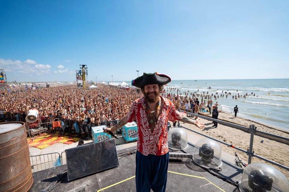 8 LEZIONI DI MARKETING DAL JOVA BEACH PARTY | YOUparti linate milano