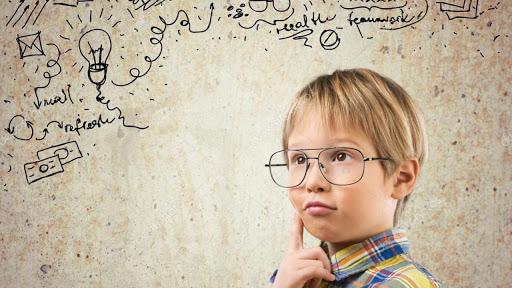 Bambini intelligenti scuola Amamente Milano