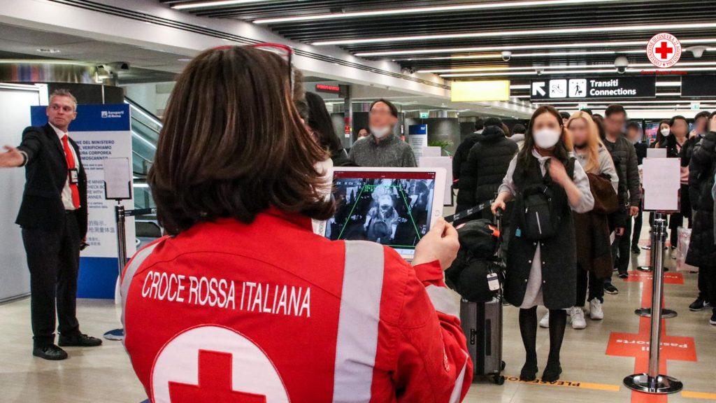 Se non riesci a stare in casa diventa volontario temporaneo della Croce Rossa, chiamando l'800065510 YOUparti
