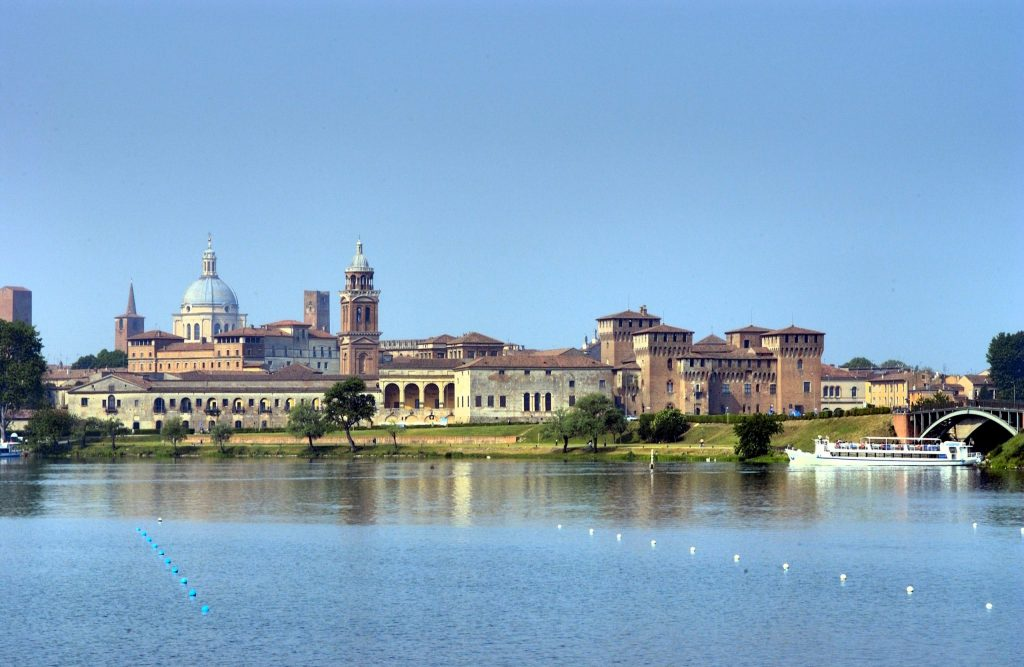 10 POSTI dove FUGGIRE dal mondo restando in LOMBARDIA YOUparti Mantova