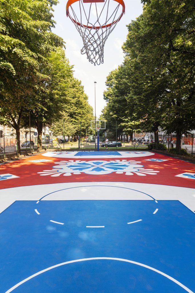 Foot Locker Europe presenta il suo nuovo campo da basket YOUparti